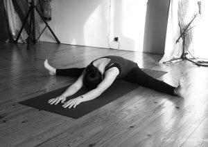 paschimothanasana avarana yoga cours personnalisés yoga individuels groupe particuliers professionnels à domicile, chez moi, sur votre lieu de travail